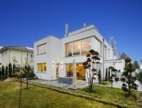Spektakuläre Bauhaus-Villa mit drei Wohneinheiten und High-End-Ausstattung in Spitzenlage Grunewald