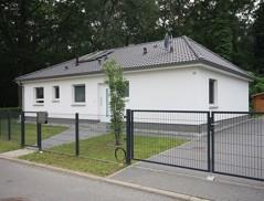 Neuwertiger Bungalow mit bester Ausstattung auf Süd/West-Grundstück!