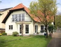 Großzügiges Ein- Zweifamilienhaus zum Wohnen und Arbeiten auf großzügigem Gartengrundstück