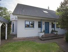 Sehr gepflegtes Einfamilienhaus (mit Vollkeller) und hochwertiger Ausstattung auf sonnigem Südgarten