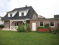 Bildschönes Friesenhaus mit Doppelgarage und hochwertiger Ausstattung in beliebter Wohnlage