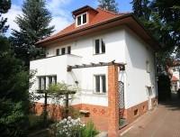 Rarität: Stattliche Altbauvilla von 1932 in direkter Nähe vom Lindenweiher in Toplage von Finkenkrug
