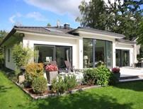Repräsentatives Einfamilienhaus im Bungalow-Stil mit High-End-Ausstattung auf Traumgrundstück