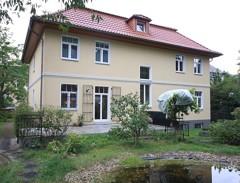 Großzügige Zweifamilienhausvilla mit hochwertiger Ausstattung in Spitzenlage von Berlin-Zehlendorf