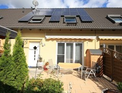 Sehr schönes und gepflegtes Reihenhaus mit Solaranlage und bester Ausstattung auf Südgrundstück