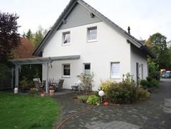 Sehr schönes Einfamilienhaus mit Garage und bester Ausstattung auf sonnigem Gartengrundstück