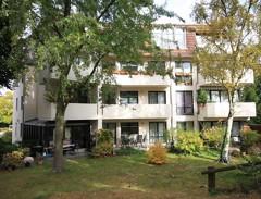Bezugsfreie Drei-Zimmer-Wohnung mit Südbalkon in direkter Nähe zum Theodor-Heuss-Platz