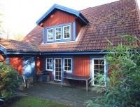 """Zwei Einfamilienhäuser """"Schwedenhaus-Ensemble"""" auf parkähnlichen Traumgrundstück"""