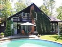 Sehr gepflegtes Architekten-Einfamilienhaus mit Wintergarten in direkter Nähe zum Gutspark