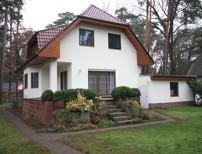 Schönes, vollunterkellertes Einfamilienhaus mit Doppelgarage auf sonnigem Süd-/Westgrundstück