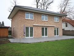 Großzügige und neuwertige Einfamilienhaus-Villa mit hochwertiger Ausstattung auf sonnigem Südgarten