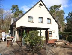Interessantes Doppelhaus mit bester Ausstattung auf sonnigem Süd/West-Grundstück in beliebter Lage