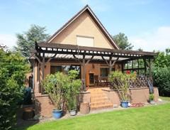 Großzügiges Einfamilienhaus mit bester Ausstattung und Souterrain auf sonnigem Gartengrundstück