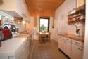 Wohnküche mit Blick in den Garten