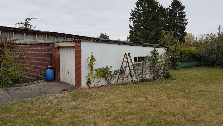 Garage Garten