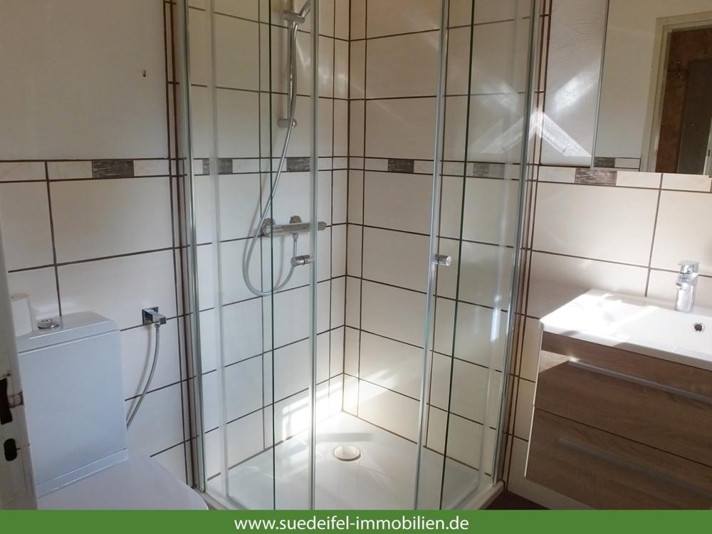Bad mit Dusche_jpg