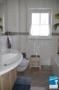 Bad mit Dusche, Fenster