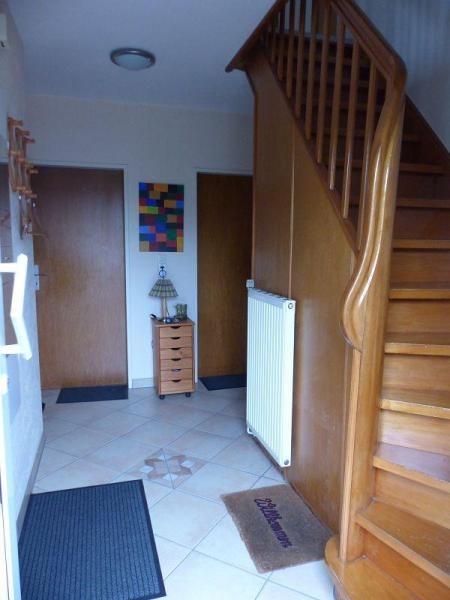 Flur mit Treppenaufgang ins Obergeschoss