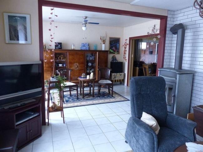 Wohnzimmer mit Blick zum Esszimmer