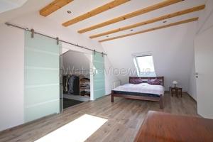 2642 Schlafzimmer mit begehbarem Kleiderschrank a
