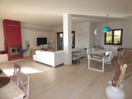 Keramikboden in Holzoptik in der gesamten Wohnung
