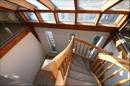 Archivfoto, Blick vom Galeriebereich die Treppe hinunter