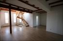 Zentraler Raum im 5. OG mit Treppe in den Galeriebereich