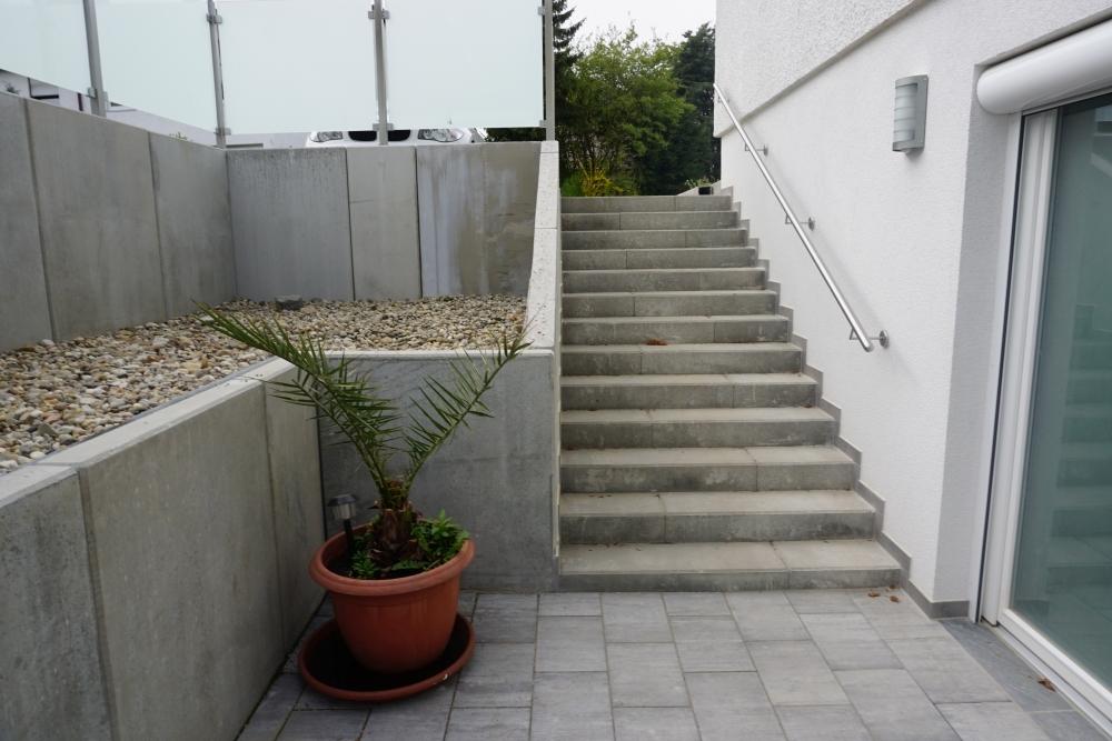 Eingangsbereich / Terasse