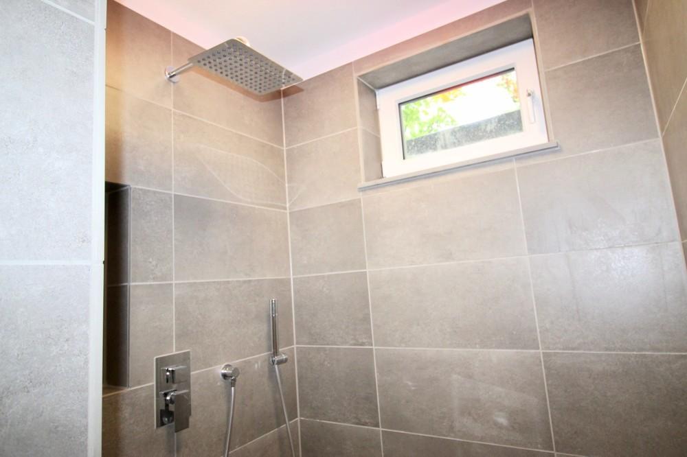 Dusche im Kellergeschoss