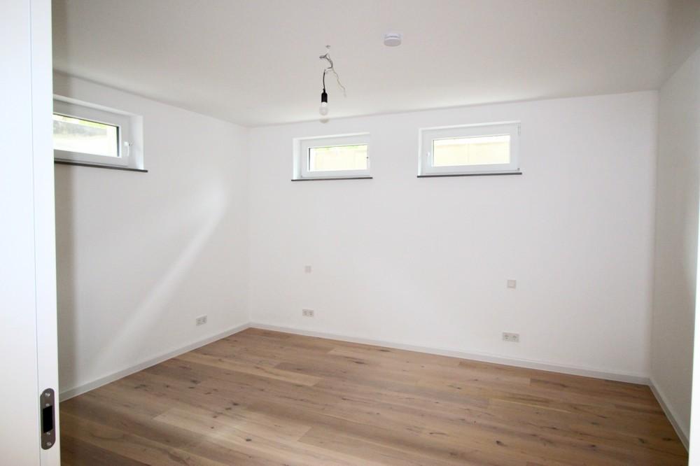 Schlafzimmer im Kellergeschoss
