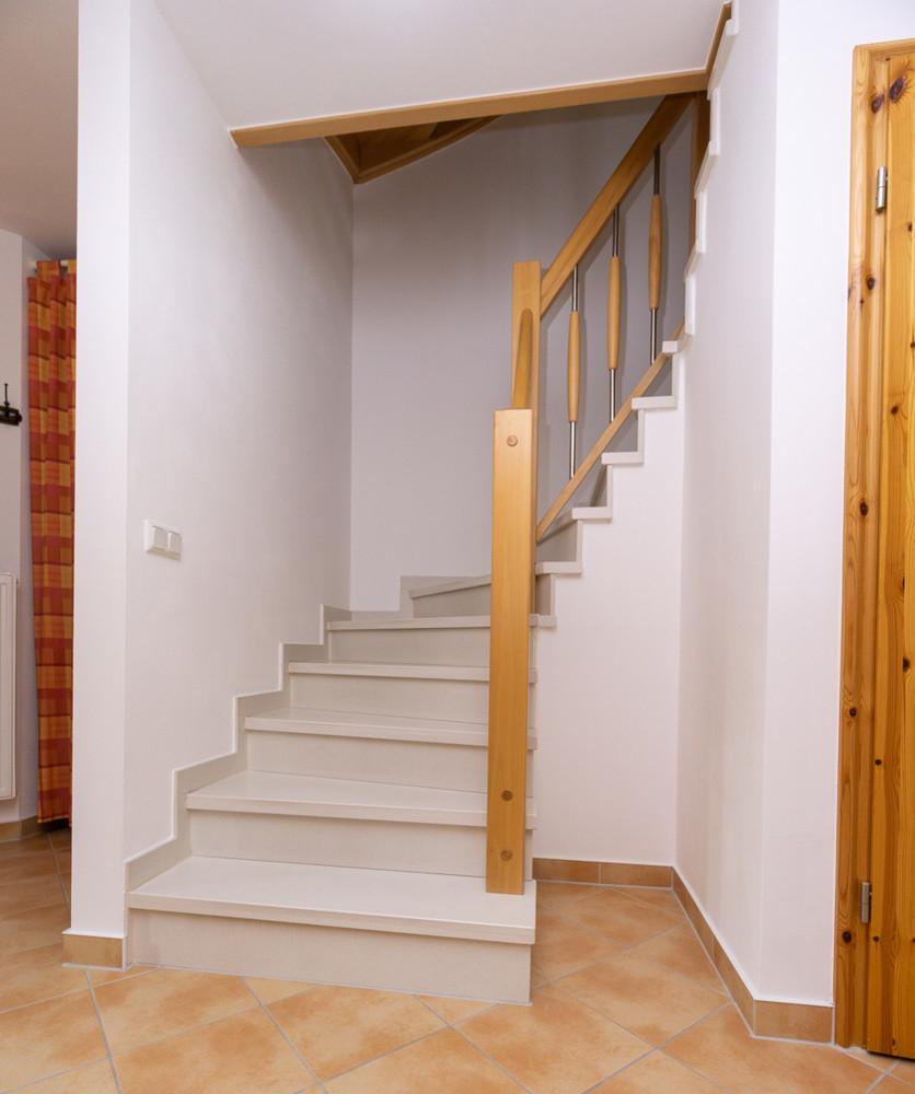 Diele und Treppe EG