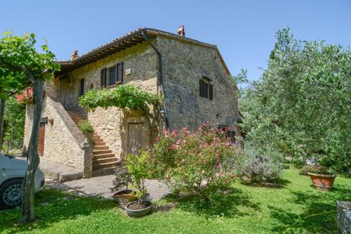 """""""Poggio Felice"""" Charakteristisches Bauernhaus mit Olivenhain und Obstbäumen in schöner Landlage"""