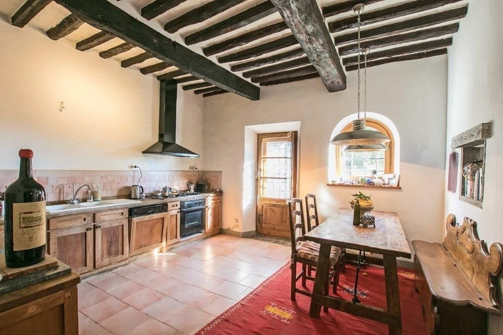 Villa im Herzen vom Chianti mit Pool, Olivenhain, Weinberg, nahe Florenz und mit Ausbaupotenzial