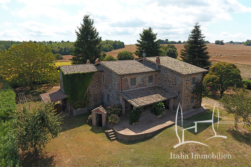 Authentisches Bauernhaus mit großem Garten in Alleinlage und 360°Panoramablick (9)