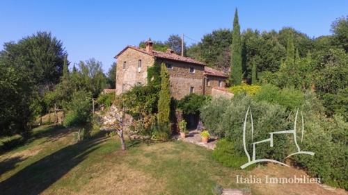 ABSOLUTE ALLEINLAGE!!! Authentisch, charmantes  Bauernhaus mit Pool und einmaligem Panoramablick