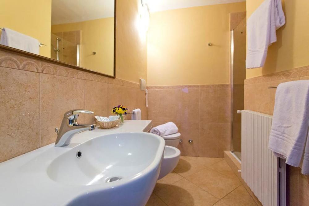 Historische Siedlung mit 20 Wohnungen im rustikalen Stil, Swimmingpool und Park in Montepulciano