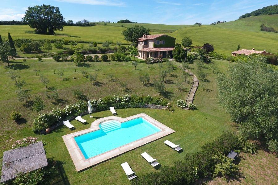 Bezugsfertiges Landhaus mit Gästehaus und Swimmingpool in Alleinlage (14)