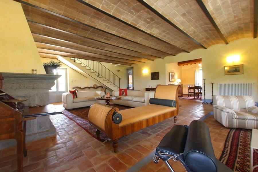 Bezugsfertiges Landhaus mit Gästehaus und Swimmingpool in Alleinlage (31)