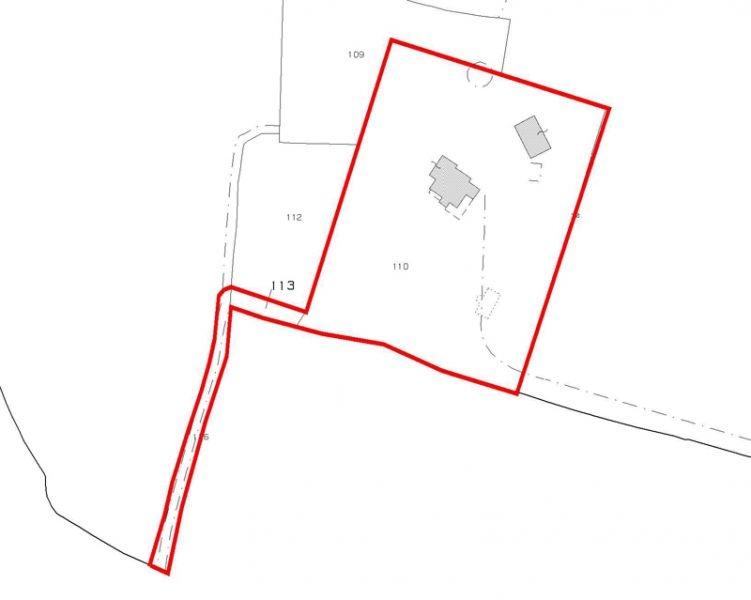 Bezugsfertiges Landhaus mit Gästehaus und Swimmingpool in Alleinlage (1)
