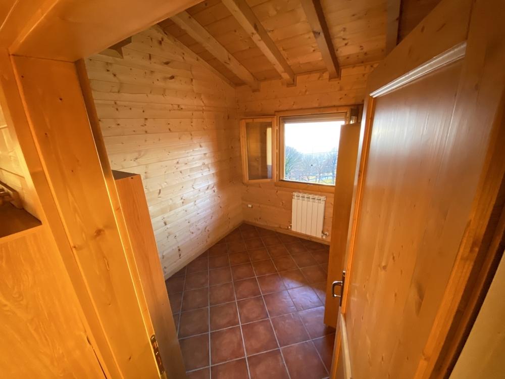 Gemütliches Massivholzhaus mit Seeblick, Garten und Garage, Teilmöbliert in Panoramalage
