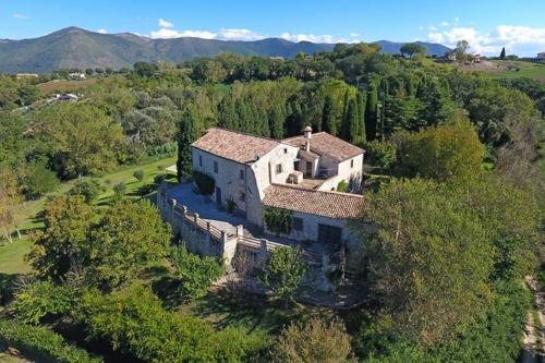 Geschmackvoll restauriertes Bauernhaus mit Pool, Wellnessbereich, Weinkeller und 11ha Landparta-14810375031684-900x600