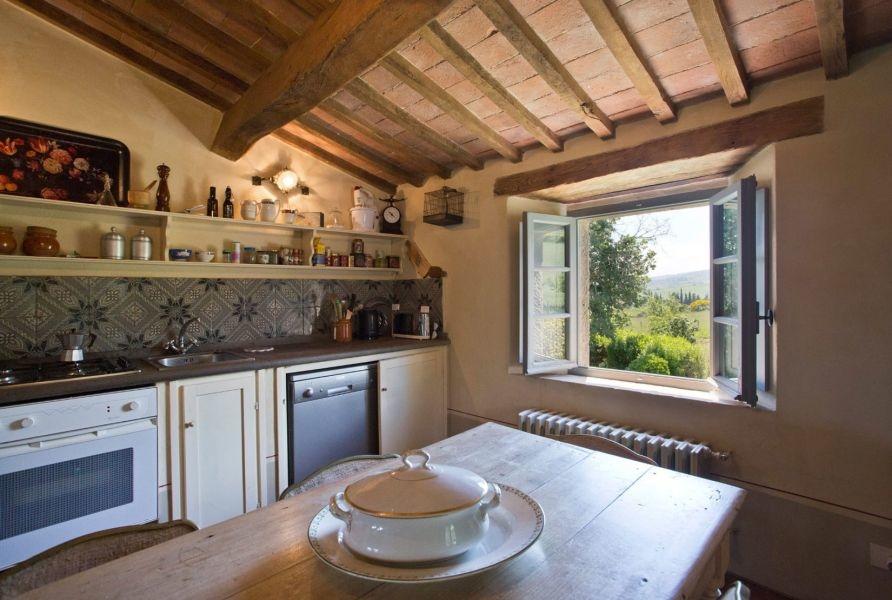 Entzückendes Bauernhaus mit 4 Wohnungen, Panoramapool und 5,5ha Land in der Val d'Orcia (9)