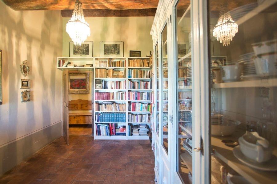 Entzückendes Bauernhaus mit 4 Wohnungen, Panoramapool und 5,5ha Land in der Val d'Orcia (13)