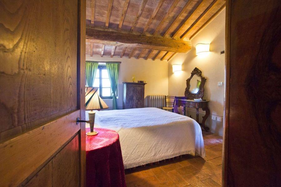 Entzückendes Bauernhaus mit 4 Wohnungen, Panoramapool und 5,5ha Land in der Val d'Orcia (14)