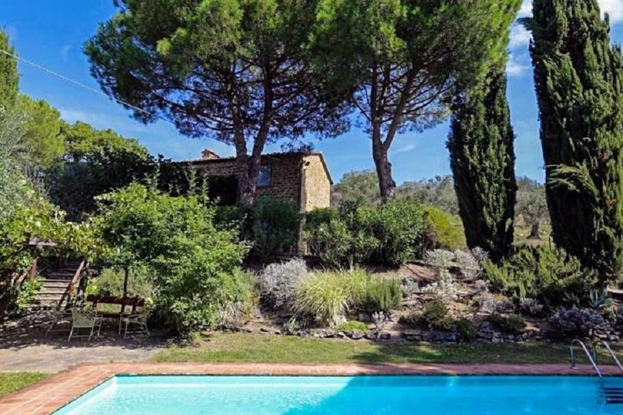 Bezugsfertig! Traditionelles Landhaus mit Pool, Garten, Olivenbäumen und viel Privatsphäre
