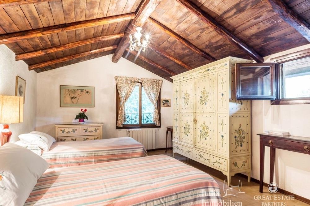 Landhaus mit 3500qm Garten in einer Wohnanlage 4km von Narni (17)