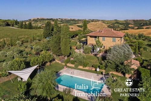 Landhaus mit Blick auf Pienza, Swimmingpool, 3ha Land und einer kleinen Gästewohnung (6)