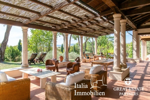 Villa neben dem Golf-Resort und der Therme von Saturnia mit 3ha Park, zwei Nebengebäuden, Pizzaofen, Pool und Pferdegehege (33)