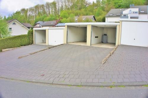 sowie einer Garage!