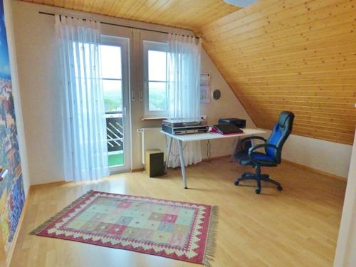 Zwei Zimmer mit Balkonzugang